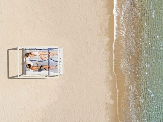 Vivez des moments inoubliables sur la plage d'Ikos Aria