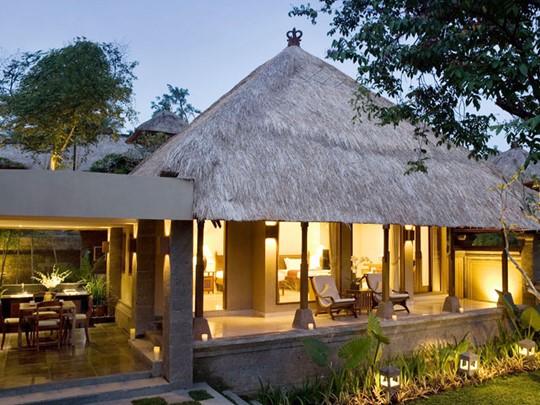 Extérieur de la Villa avec 2 chambres avec piscine
