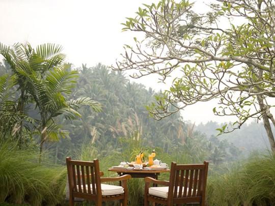 Le Petit-Déjeuner dans la Villa