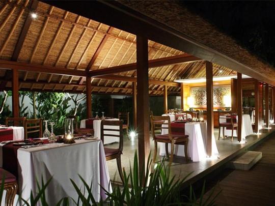 Intérieur du restaurant de l'hôtel