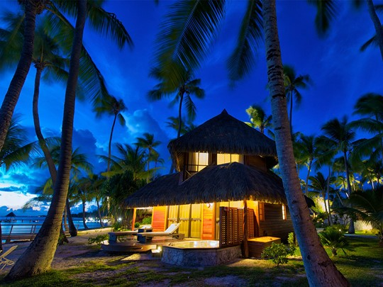 Beach Deluxe Bungalow with Pool