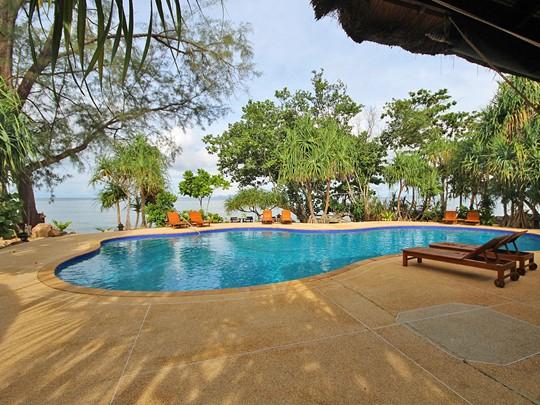 La piscine du Koh Jum Beach Villas