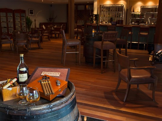 Le Havana Club Wine & Cigar Bar