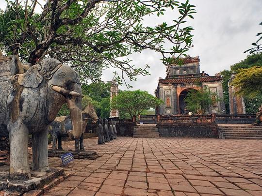 Le tombeau de l'Empereur Tu Duc à Hué