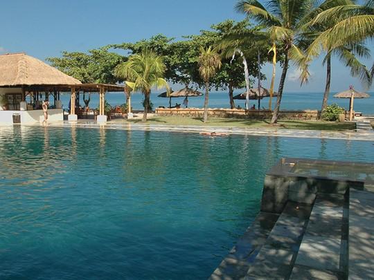 Le Belmond Jimbaran s'intègre parfaitement dans la beauté de son cadre naturel, au bord de l'une des plus belles plages de Bali