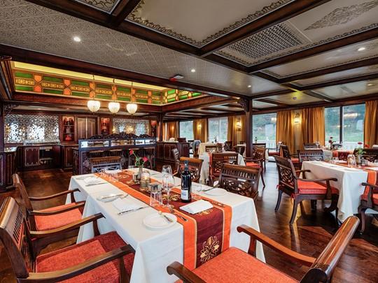 Le restaurant Hintha Hall à bord de la croisière