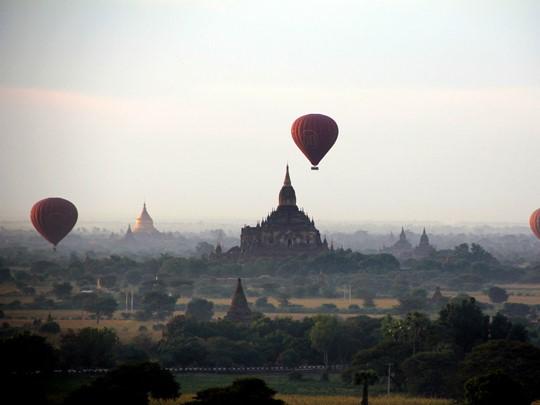 La majestueuse plaine de Bagan
