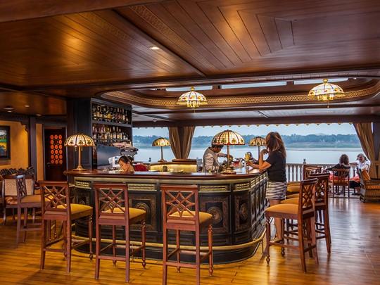 Le Kipling's bar à bord de l'Anarwrahta