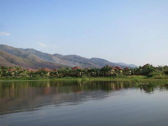La splendide vue sur les montagnes depuis Inle
