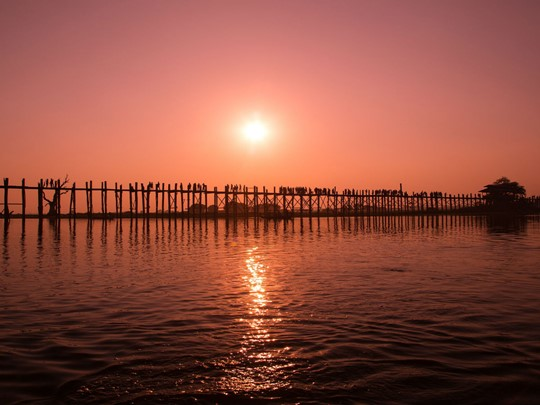 Le superbe pont U Bein dans la région de Mandalay