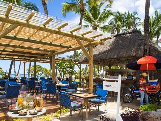 Rafraîchissez-vous au Coconut Café