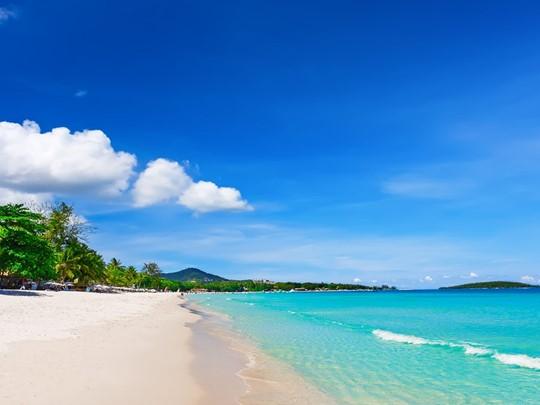 Vue de la plage paradisiaque de Chaweng à Koh Samui
