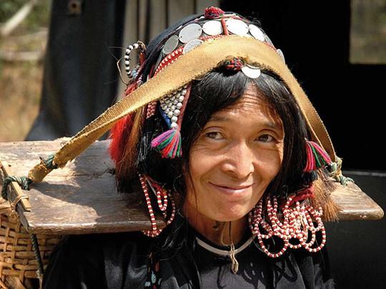 Allez à la rencontre des minorités du village de Muang La