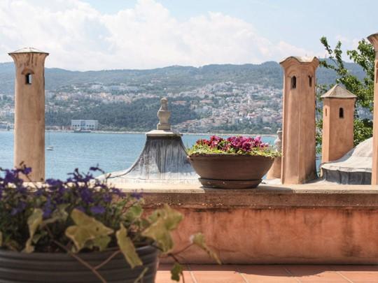 Vue sur Kavala depuis l'hôtel Imaret