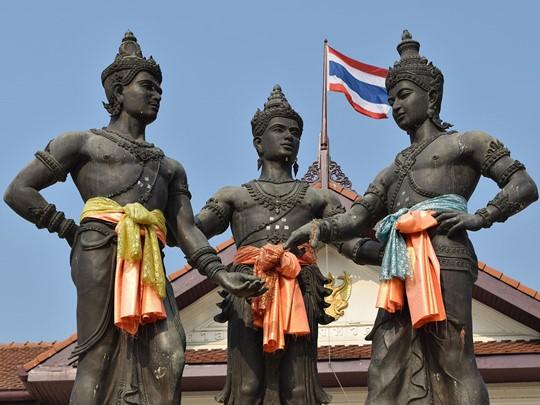 Découverte du fameux Monument aux Trois Rois à Chiang Mai