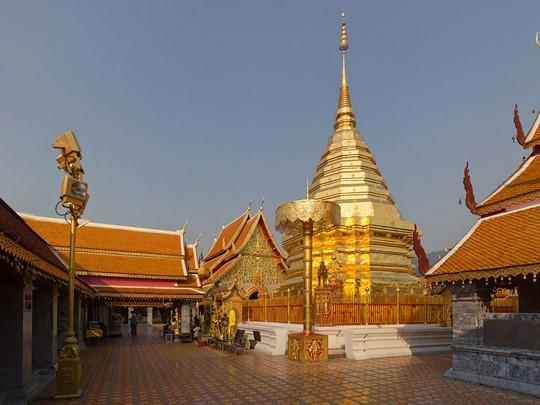Vue du très vénéré temple de Doi Suthep