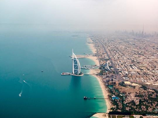 Contemplez la voile géante de Burj Al Arab
