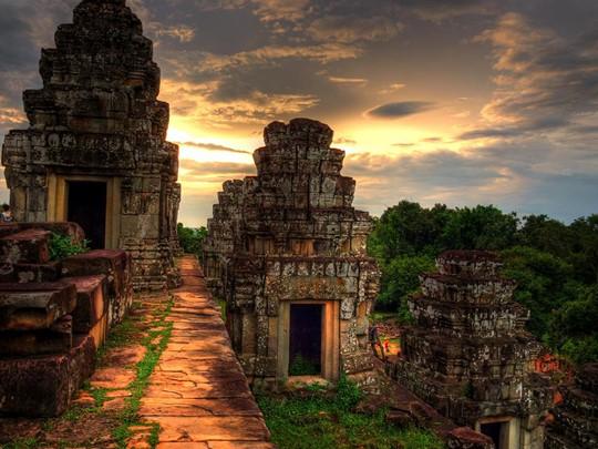 Admirerez le coucher de soleil depuis Phnom Bakheng
