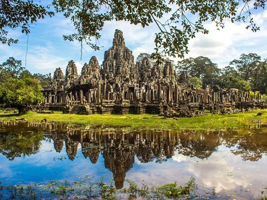 Explorez les ruines du Bayon d'Angkor Thom