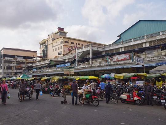 Visite du marché Orussey à Phnom Penh