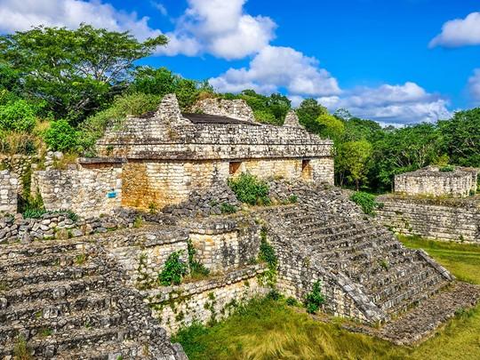 Découvrez le site maya d'EkBalam