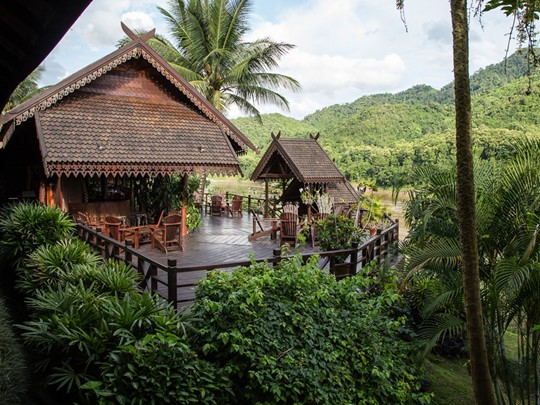 Le Luang Say Lodge qui se fond artistiquement dans l'environnement tropical
