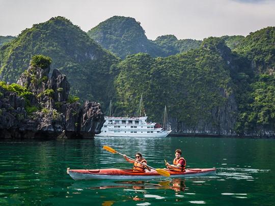 Kayak à Cong Dam au Vietnam