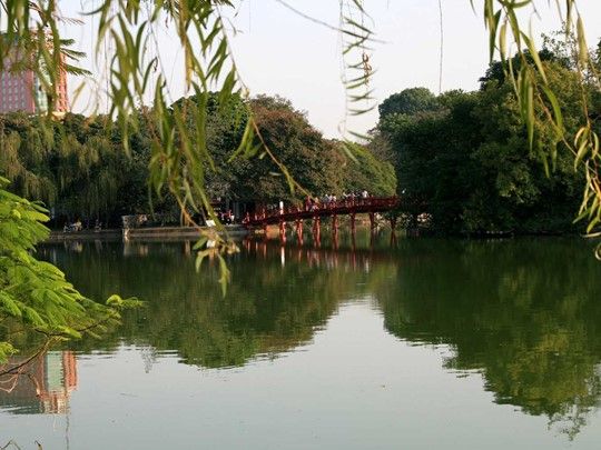 Vue du lac Hoan Kiem au Vietnam
