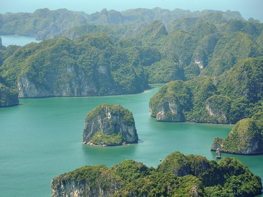 Prenez la route vers la magnifique région d'Halong