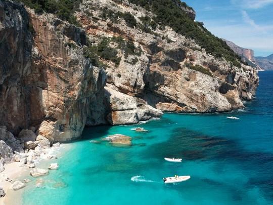 La cala dei Gabbiani en Sardaigne