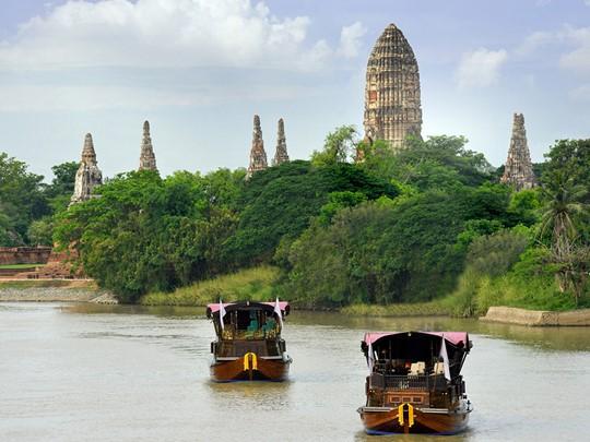Naviguez sur le Mékong en admirant les paysages défilant devant vous