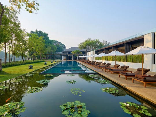 La superbe piscine de l'Anantara Chiang Mai