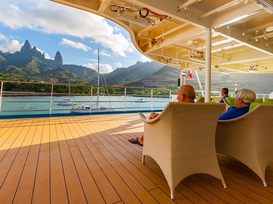 Admirez de magnifiques paysages depuis l'Aranui 5