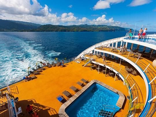 Profitez de la petite piscine de l'Aranui 5