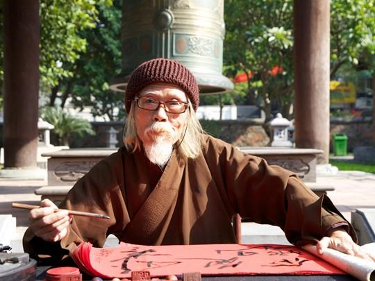 Rencontre avec un calligraphe au temple de la Littérature