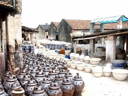 A la découverte de l'art de la poterie et de la céramique dans le village de Bat Trang