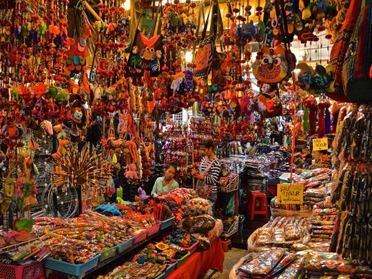 Visite de l'un des plus grands et plus célèbres marchés du monde : le marché du week-end de Chatuchak