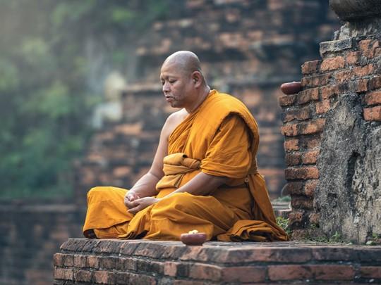 Au cours de cette aventure unique vous croiserez des moins bouddhistes dans des lieux sacrés
