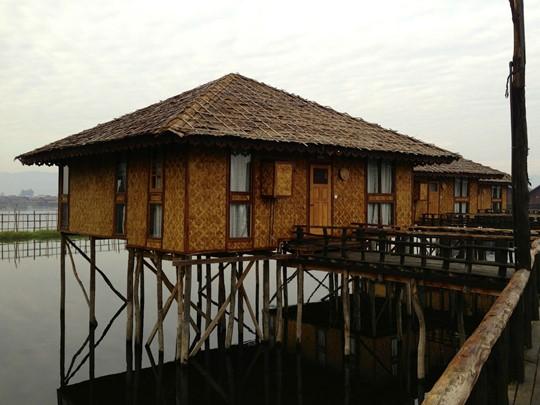 Les villages lacustres dessinent le paysage du lac Inle