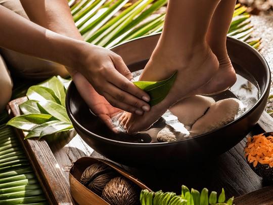 Massages relaxants et des rituels exclusifs au spa du meilleur hôtel de Mahé, le Four Seasons