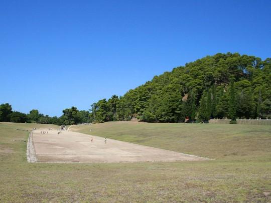 Ancien stade des premiers Jeux Olympiques de la Grèce antique