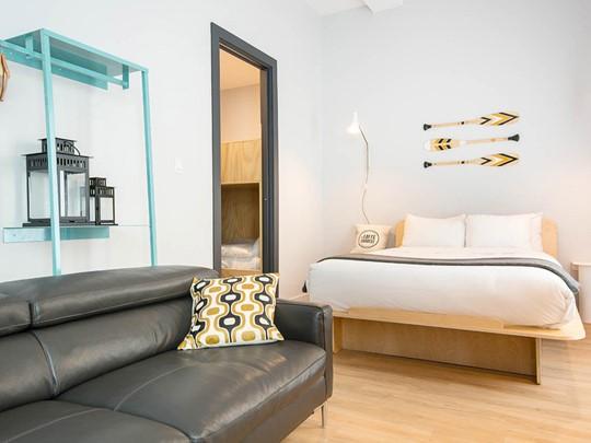 Entre traditionnel et contemporain, le soin minutieux de la décoration augmente le charme de cet hôtel