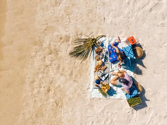 Pique niquez sur la sublime plage