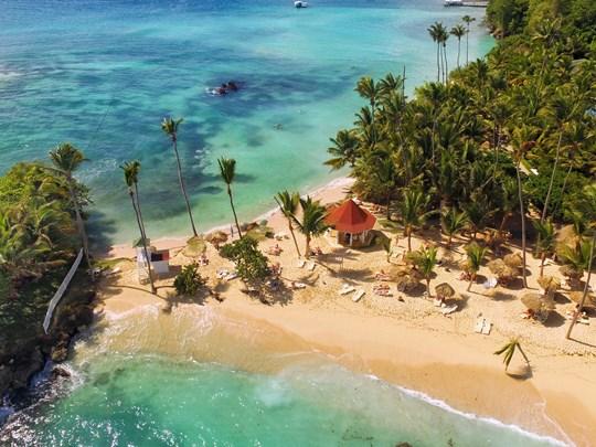 Vue aérienne de la magnifique plage