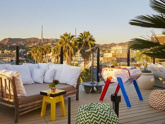 Détente sur le toit du Mama Shelter, l'hôtel le plus tendance de Los Angeles