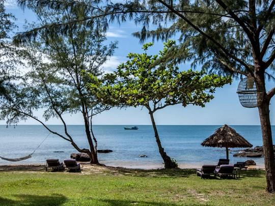 Détente à l'ombre à l'hôtel Mango Bay situé au Vietnam