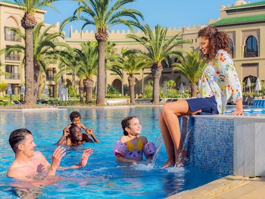 Profitez de l'immense piscine du Mazagan au Maroc