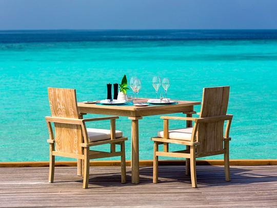 Repas face à l'Océan Indien