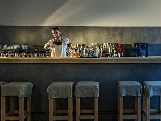 Le Dionyssos Lobby Bar de l'hôtel Minos Beach Art
