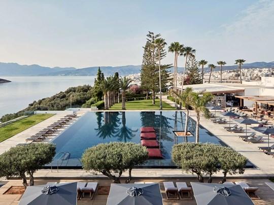 La belle piscine de l'hôtel